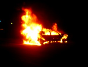 Grau  28 nov 09 En Gach brûlage voiture 18h45